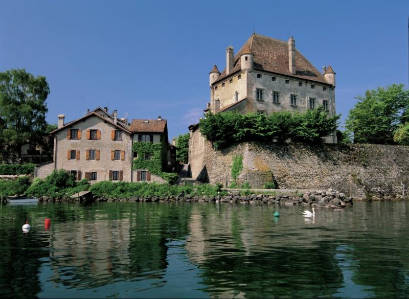 Les plus beaux villages de France  - Page 7 Yvoire13