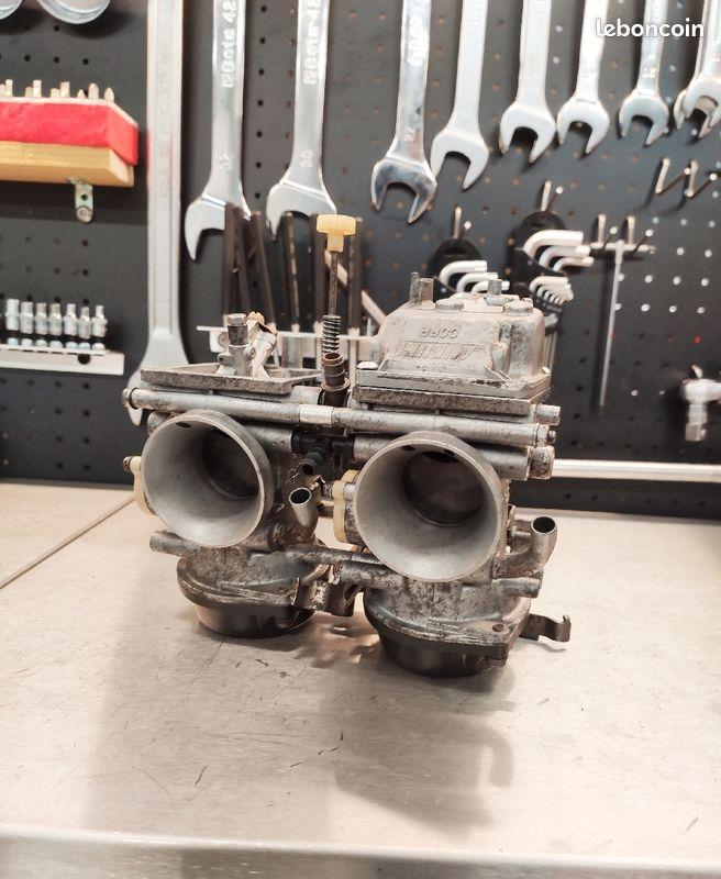 [VENDUE] Rampe de carburateurs XTZ 750 Super Ténéré 89-97 Bc255e10