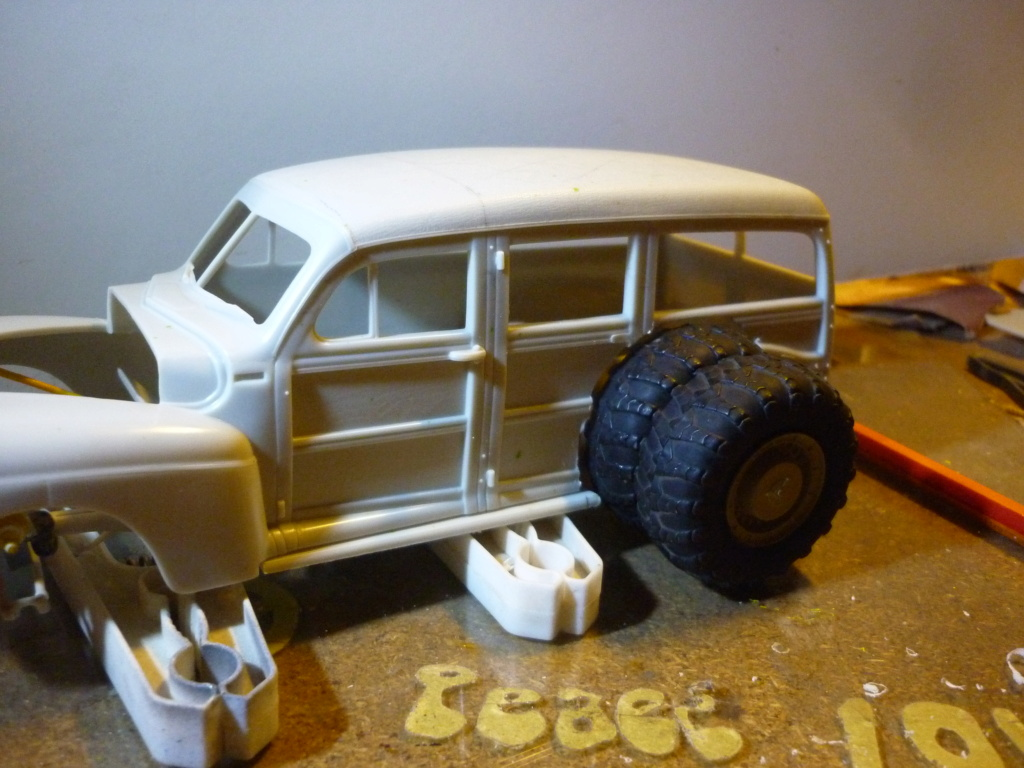 """"""" RAT ROD """" '41 Ford Woody Stock ; AMT ; 1/25 - Page 2 P1110724"""