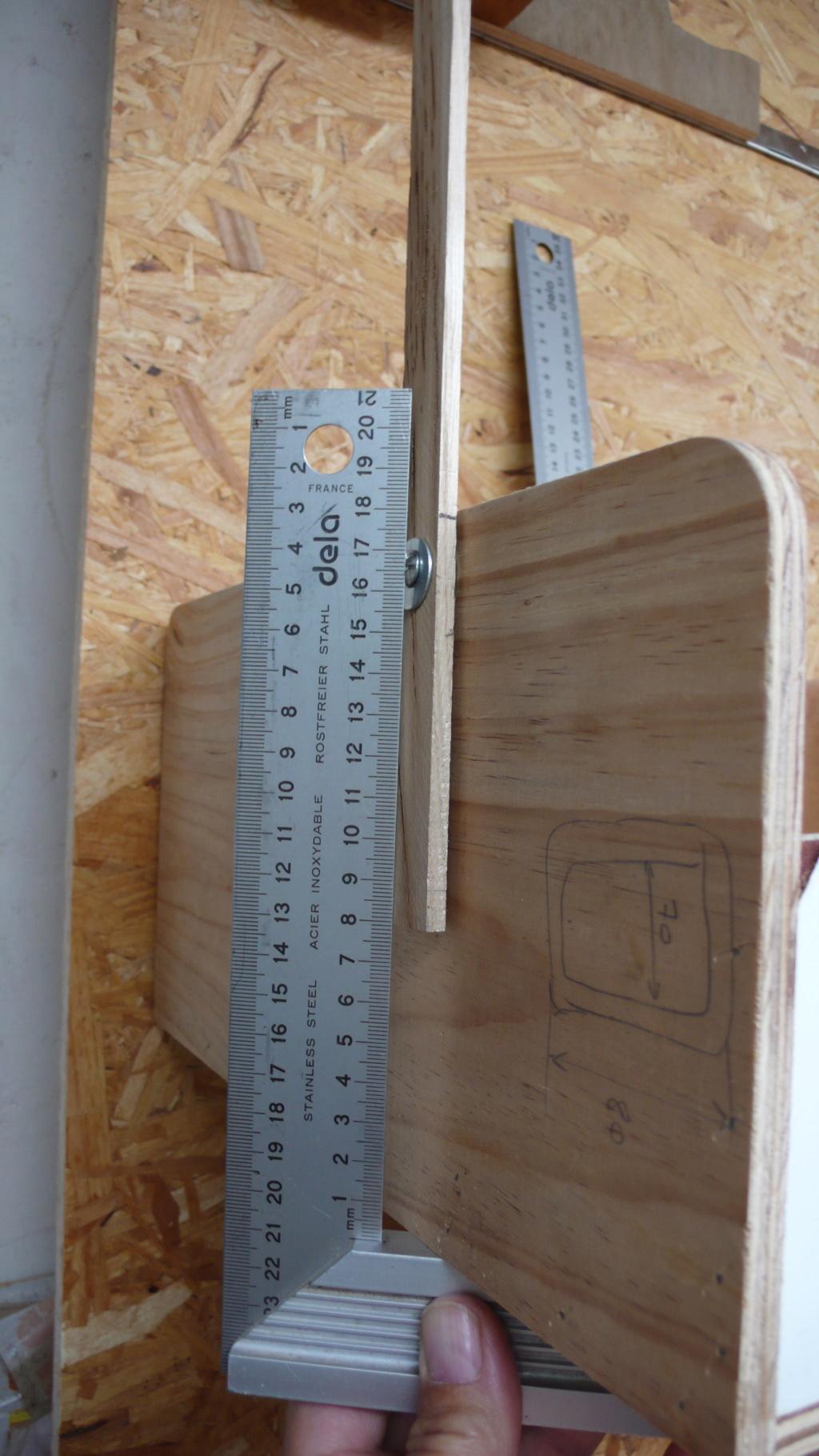 Rangement matériel au plafond L1050713