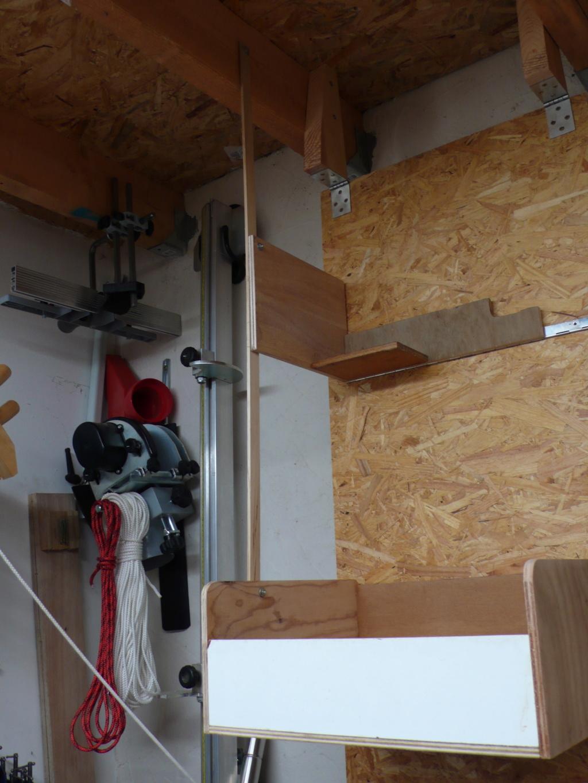 Rangement matériel au plafond L1050714
