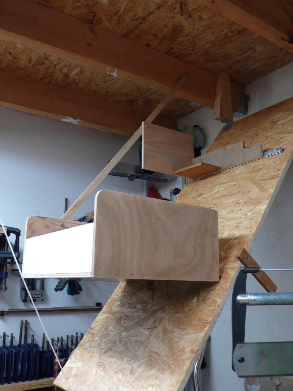 Rangement matériel au plafond L1050715