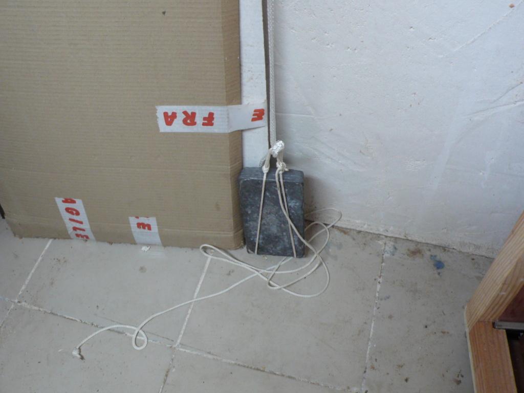 Rangement matériel au plafond L1050743