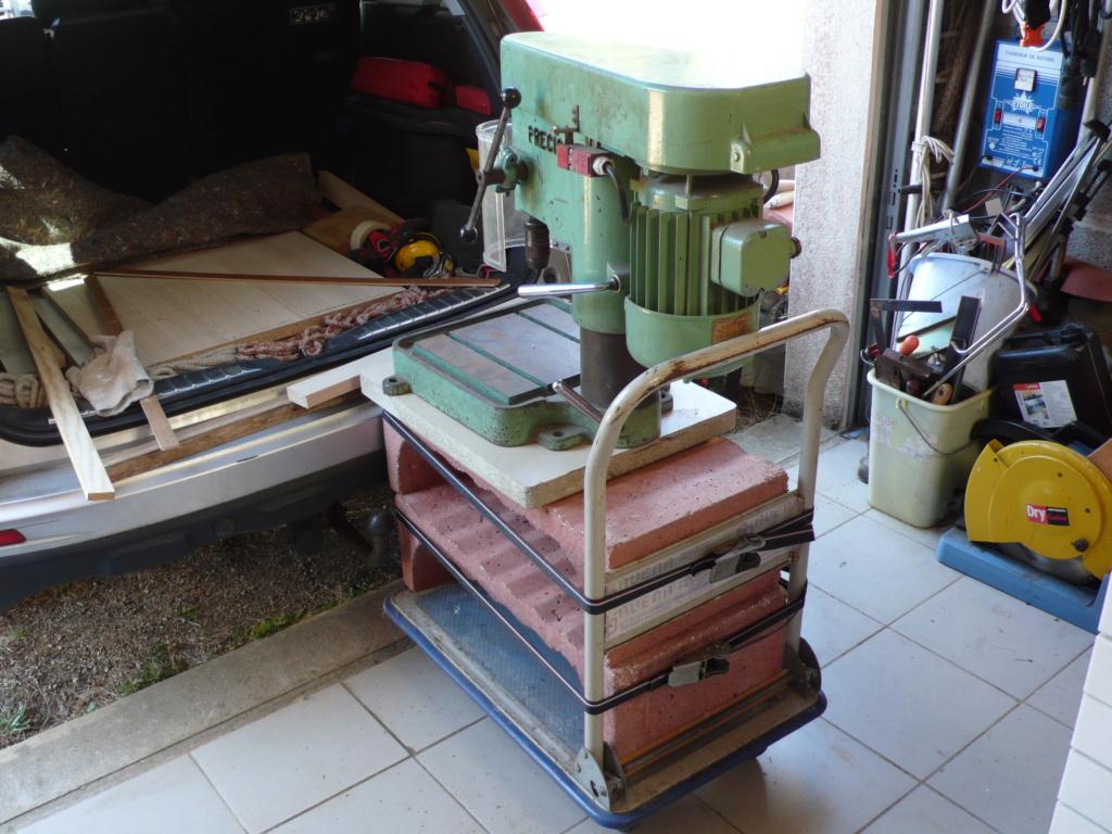 Un petit meuble pour ma Précis, car elle le vaut bien... L1050749