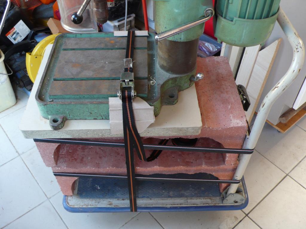 Un petit meuble pour ma Précis, car elle le vaut bien... L1050750