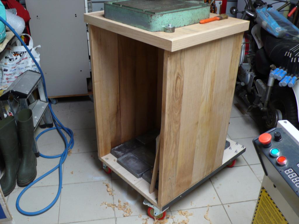 Un petit meuble pour ma Précis, car elle le vaut bien... L1050810