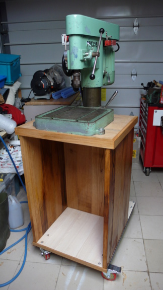 Un petit meuble pour ma Précis, car elle le vaut bien... L1050811