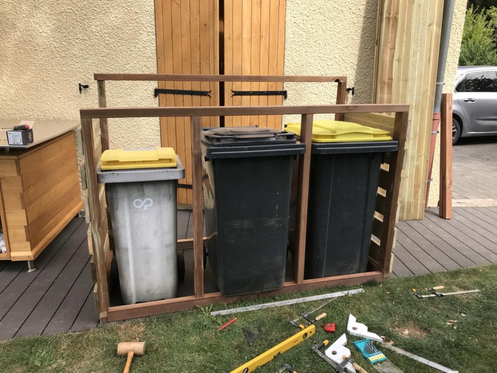 Construction d'un abri à poubelles Img_1419