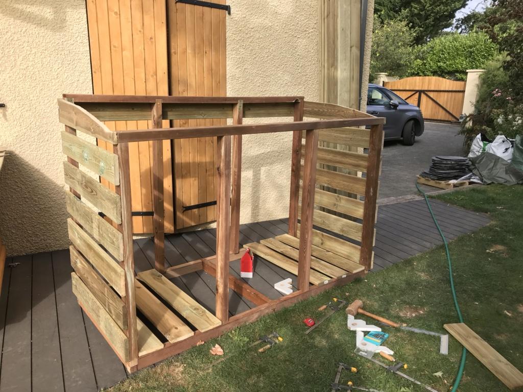 Construction d'un abri à poubelles Img_1420