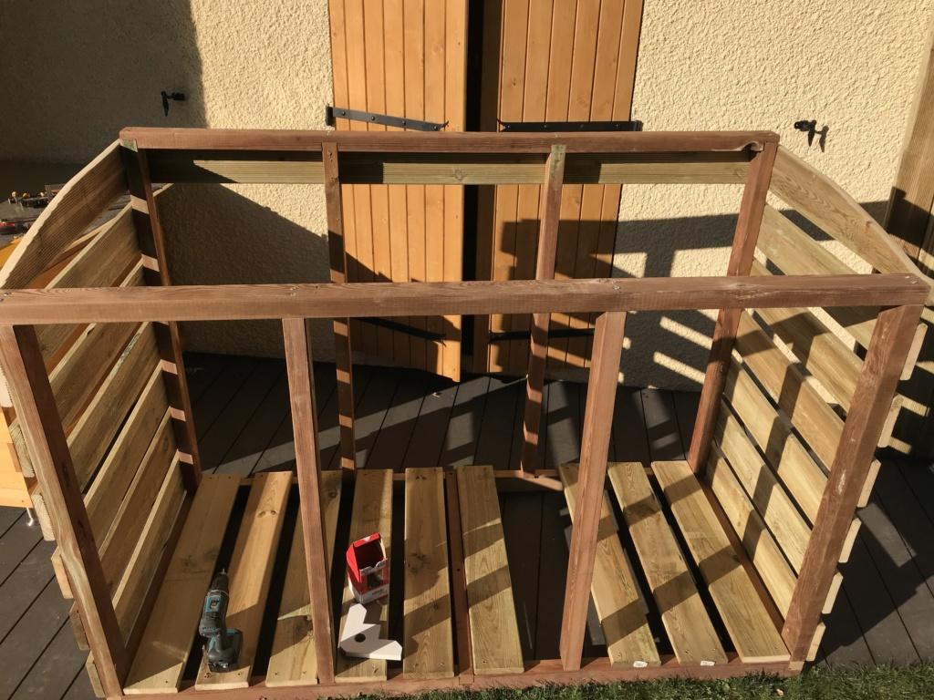 Construction d'un abri à poubelles Img_1421
