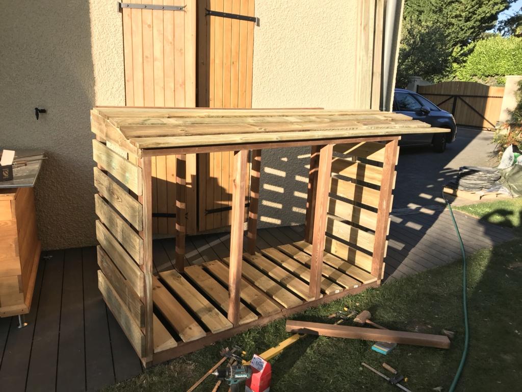 Construction d'un abri à poubelles Img_1422