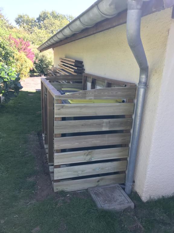 Construction d'un abri à poubelles Img_1426