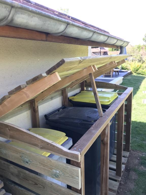 Construction d'un abri à poubelles Img_1429