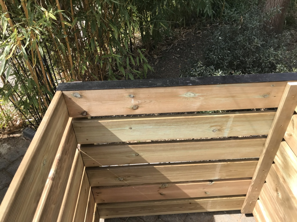 Composteur de jardin Img_3212