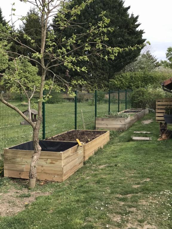 Composteur de jardin Img_3218