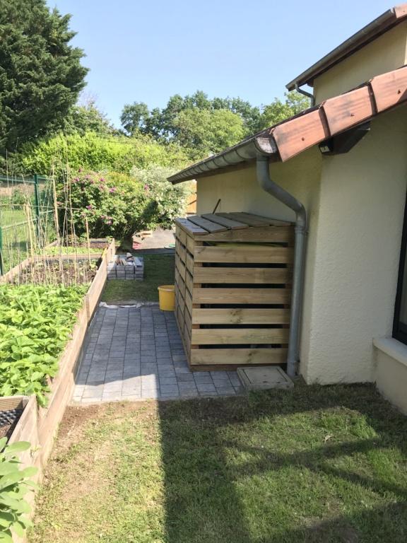 Construction d'un abri à poubelles Img_3335