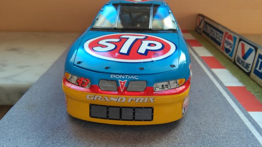 Pontiac Grand-prix 2000 #43 John Andretti STP  Img_2217