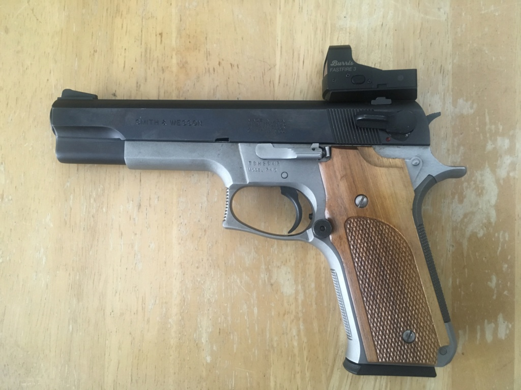 Smith & Wesson745 4d9aa310