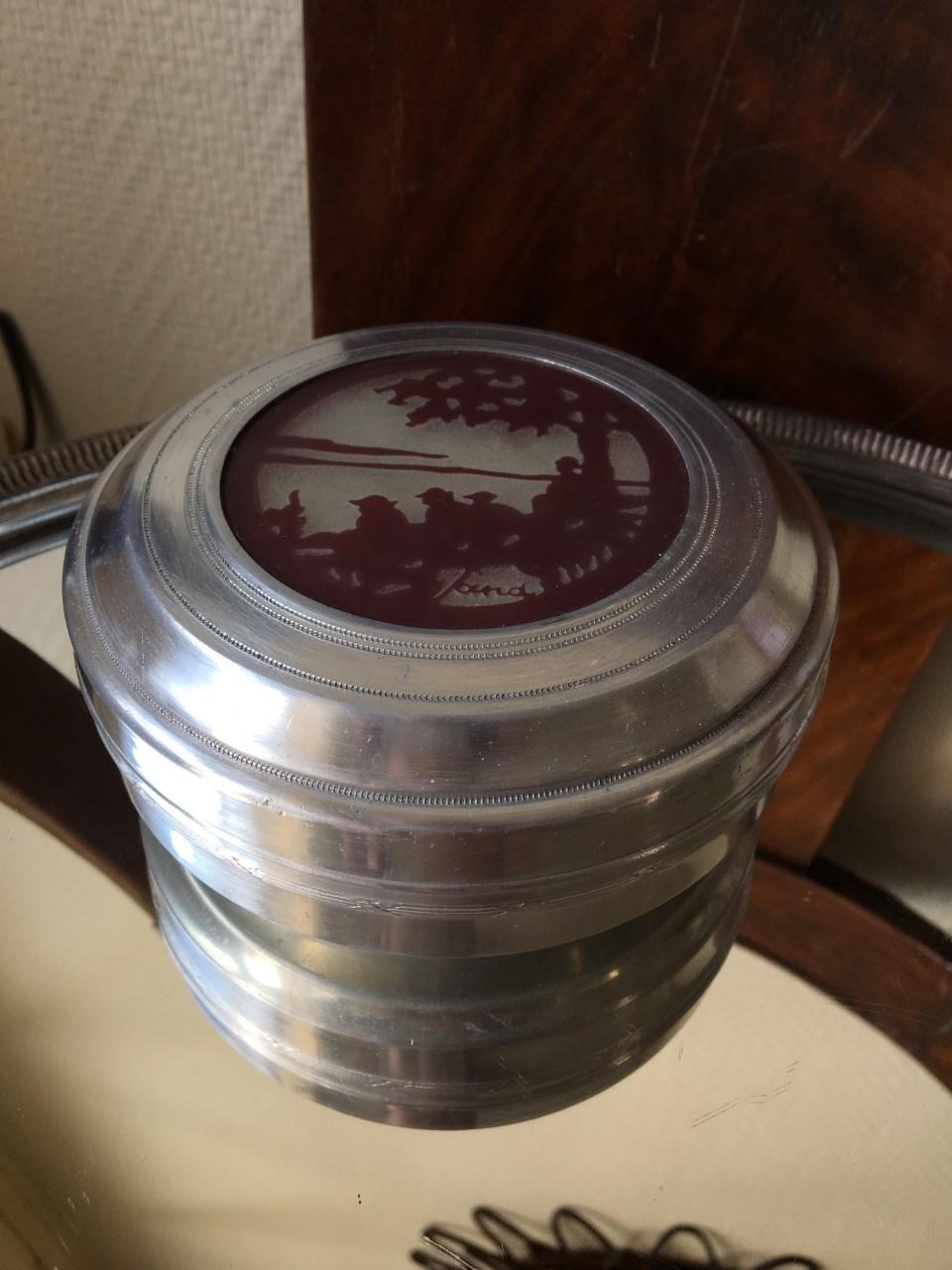 Signature pâte de verre sur boite aluminium Zf10