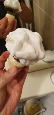 Merci a Mic1 pour l'achat de ce savon Made in Tcharpé !!! 20190552