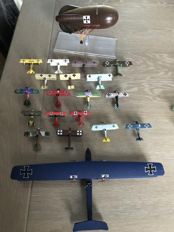 Vos collections de figurines d'avion en photo Img_2712
