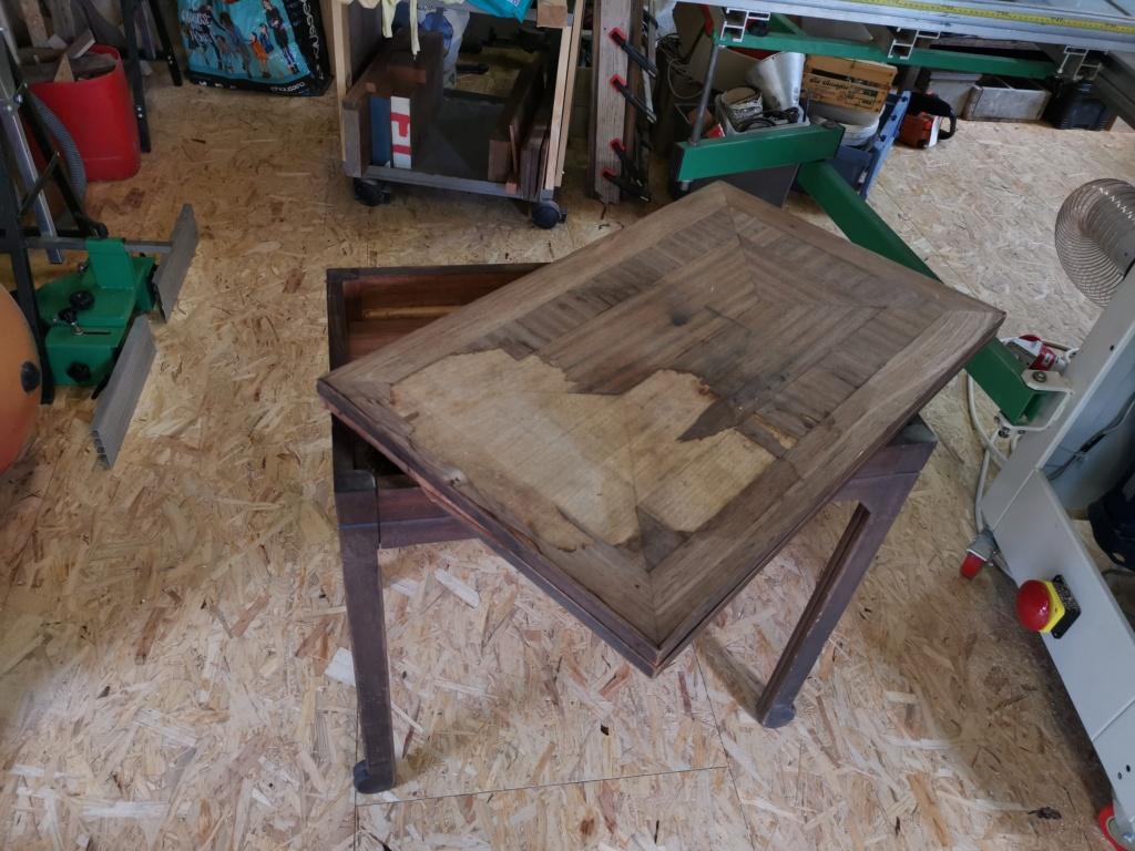 Réparation de divers meubles : stage one : table de bridge pliante et rotative 2020-054