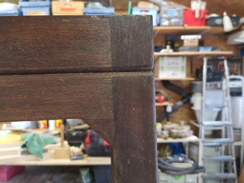 Réparation de divers meubles : stage one : table de bridge pliante et rotative 2020-110