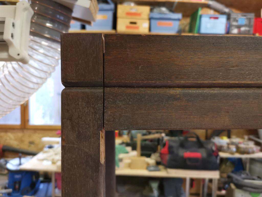 Réparation de divers meubles : stage one : table de bridge pliante et rotative 2020-111