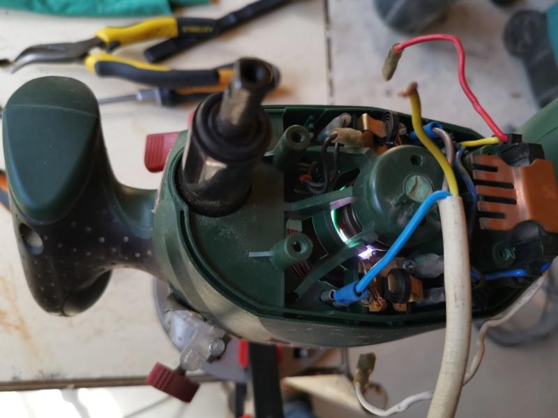Tentatives de réparation d'électroportatifs divers : défonceuse, aspi, ponceuse, ... table induction ??? Img_2277