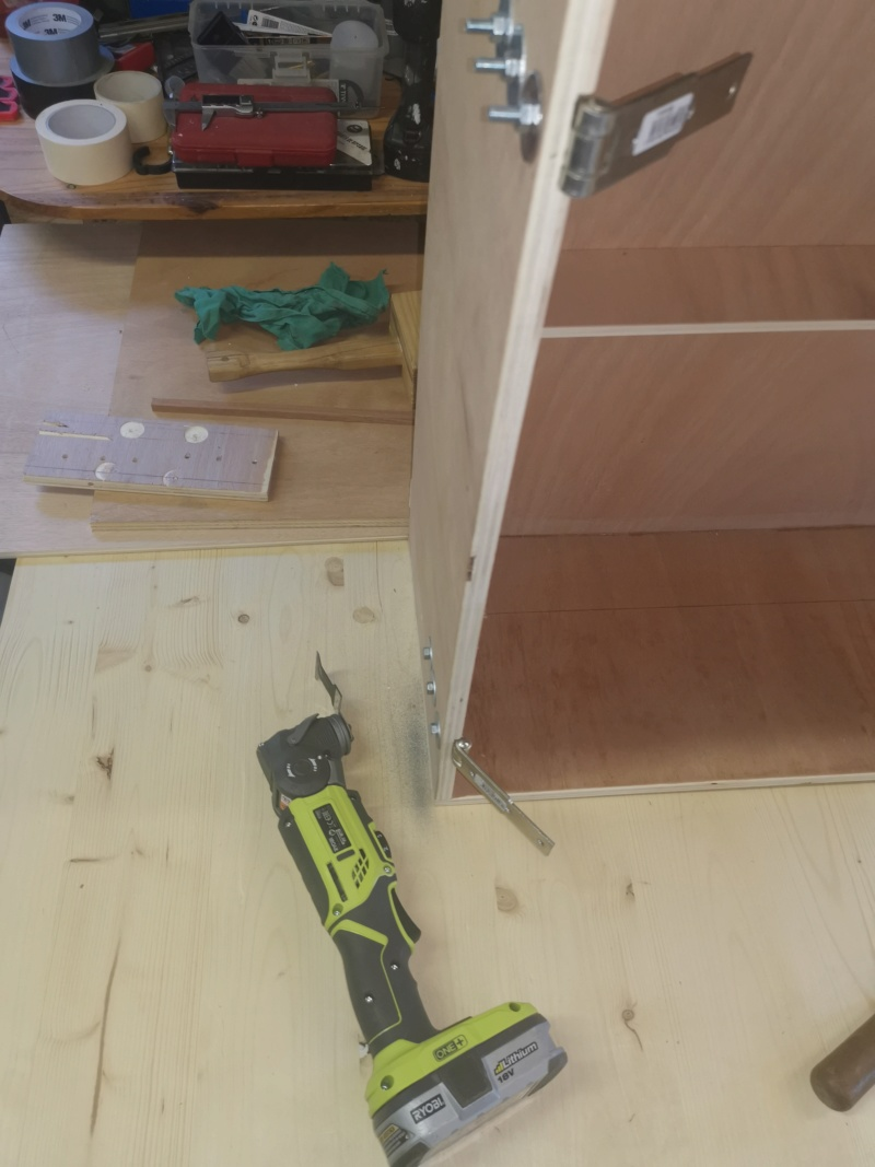 Fabrication de placards pour l'atelier méca / bois - Page 3 Img_2345