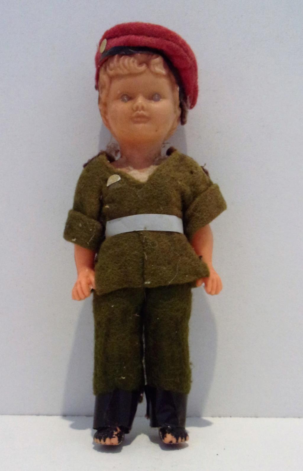 Les jouets militaires en tôle, plastique ou bois. - Page 3 202_0712
