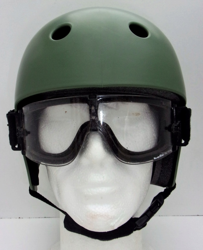 *Casque Gueneau Type 202 pour l'entraînement au saut des parachutistes Casque11