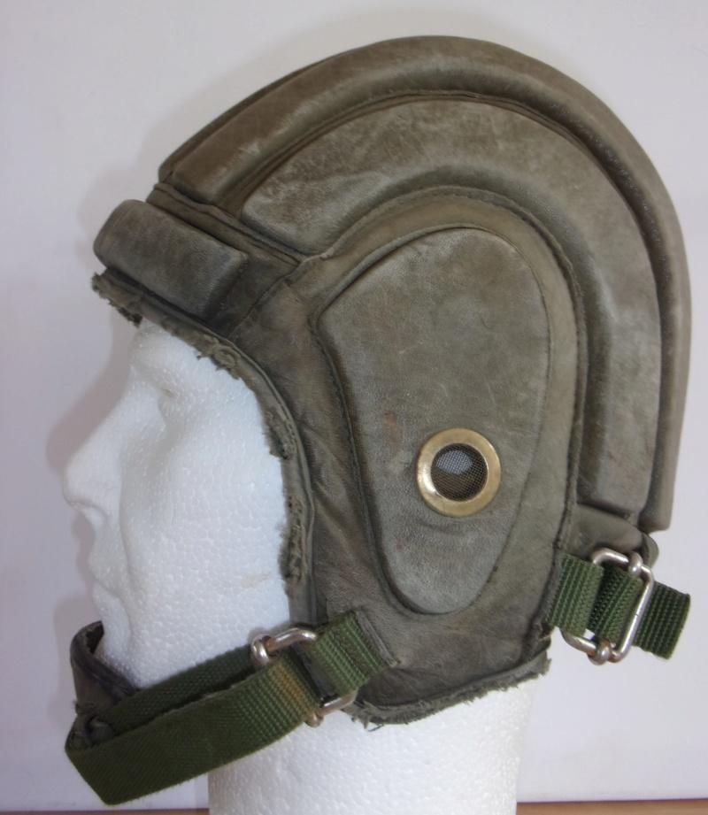 *Casque Gueneau Type 202 pour l'entraînement au saut des parachutistes Casque12