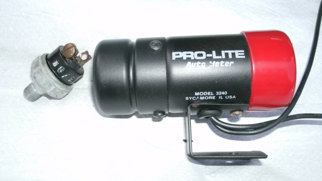 Autometer Pro-Lite 3240 Oil pressure light with sender / switch. Autome11