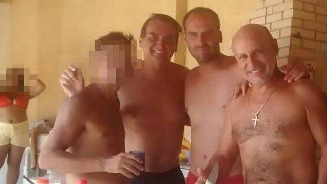 Bolsonaro eleito com 39% dos eleitores - Página 4 Amigos10