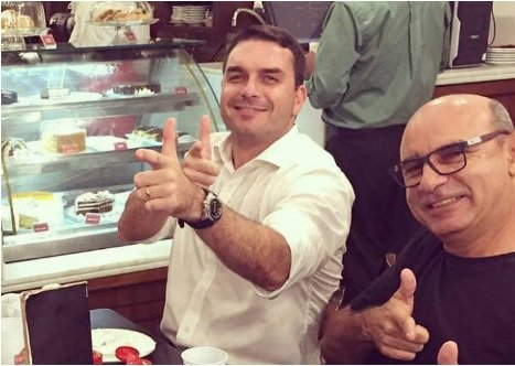 Bolsonaro eleito com 39% dos eleitores - Página 4 Flavio11