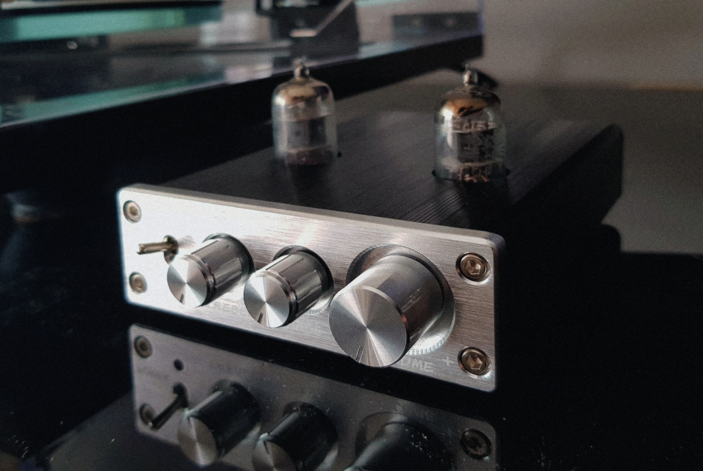 REVIEW DOUK AUDIO D2: PREAMPLIFICACION A VALVULAS LOW-COST 20200416