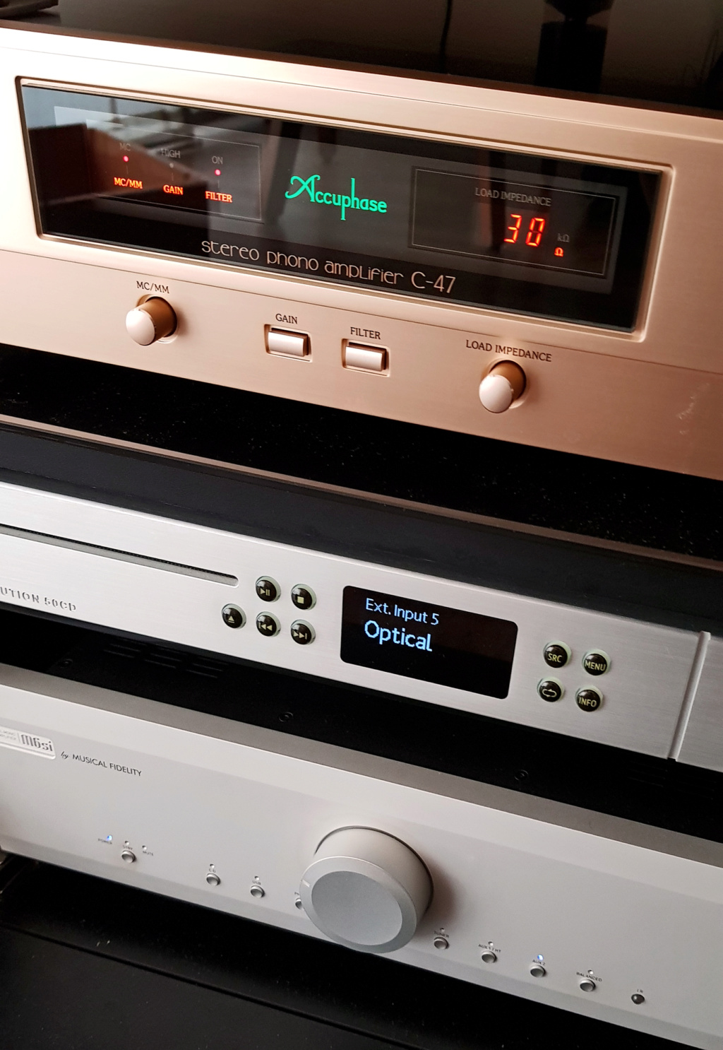 ACCUPHASE C-47 Accuph10