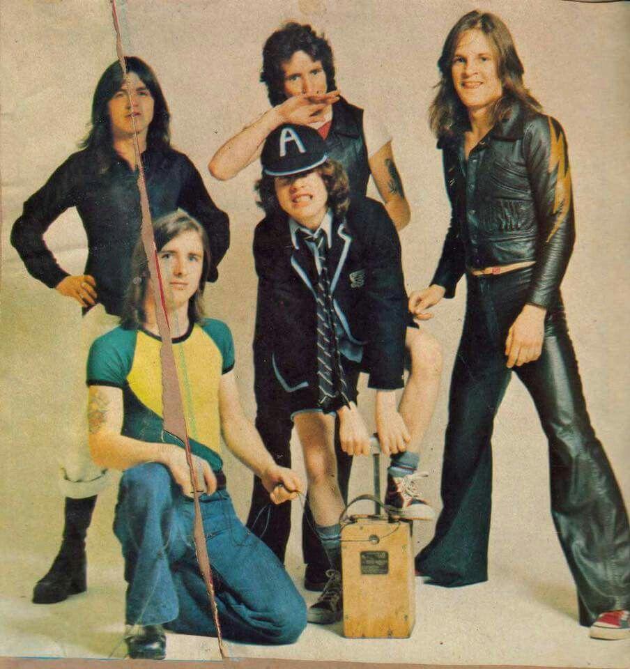 NO FELIPING: los discos de AC/DC de peor a mejor - Página 4 0fe2ce10