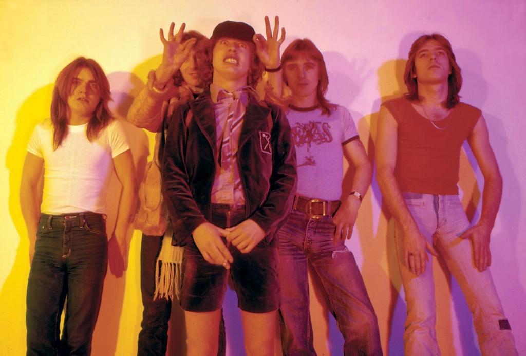 NO FELIPING: los discos de AC/DC de peor a mejor - Página 3 13873410