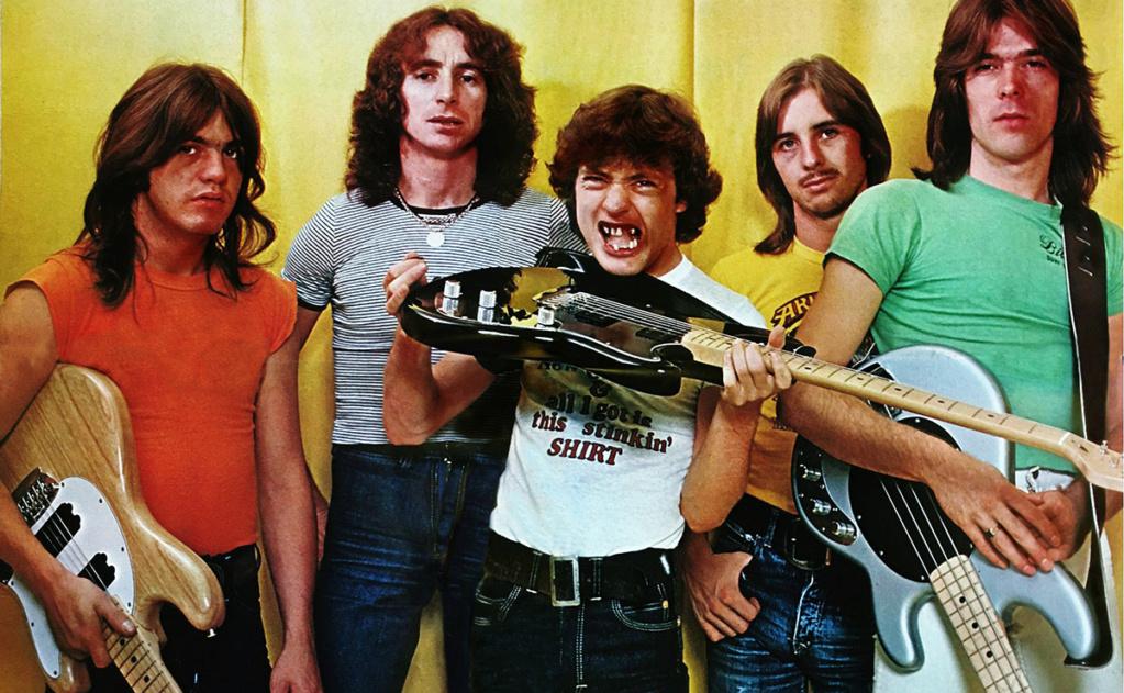 NO FELIPING: los discos de AC/DC de peor a mejor - Página 3 1977-a10