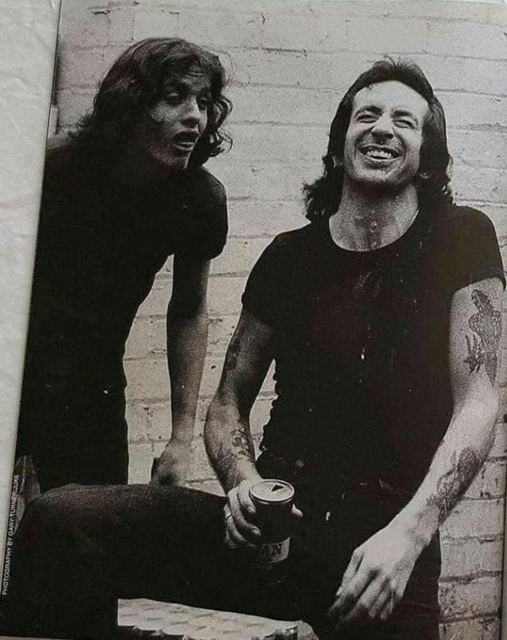 NO FELIPING: los discos de AC/DC de peor a mejor - Página 2 42fb8d10