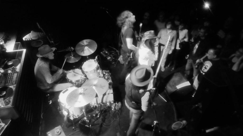Stacie Collins Band - Página 5 _2018110