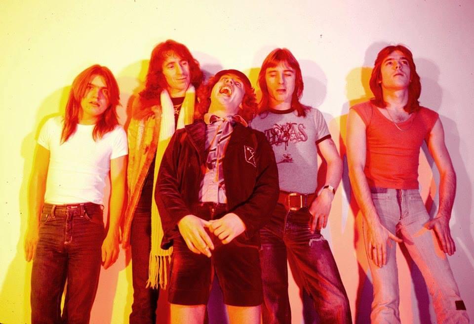 NO FELIPING: los discos de AC/DC de peor a mejor - Página 5 A7e10