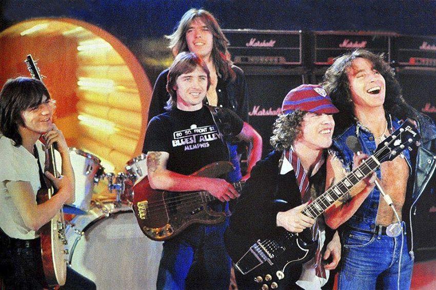 NO FELIPING: los discos de AC/DC de peor a mejor - Página 5 A7f4af10