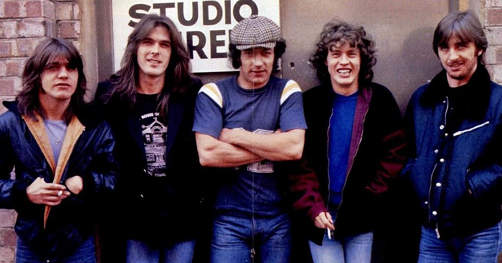 NO FELIPING: los discos de AC/DC de peor a mejor - Página 11 Acdc-210
