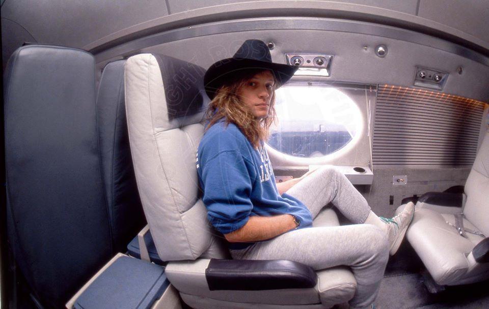 Jon Bon Jovi se queda calvo... - Página 6 Bon_jo17