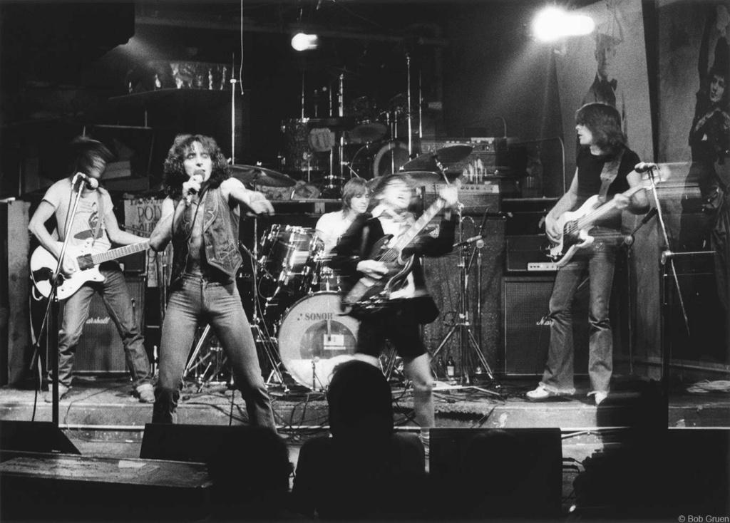 NO FELIPING: los discos de AC/DC de peor a mejor - Página 3 Dc_cbg10