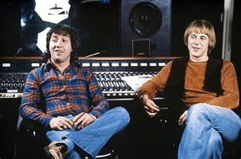 NO FELIPING: los discos de AC/DC de peor a mejor - Página 4 Harry_11
