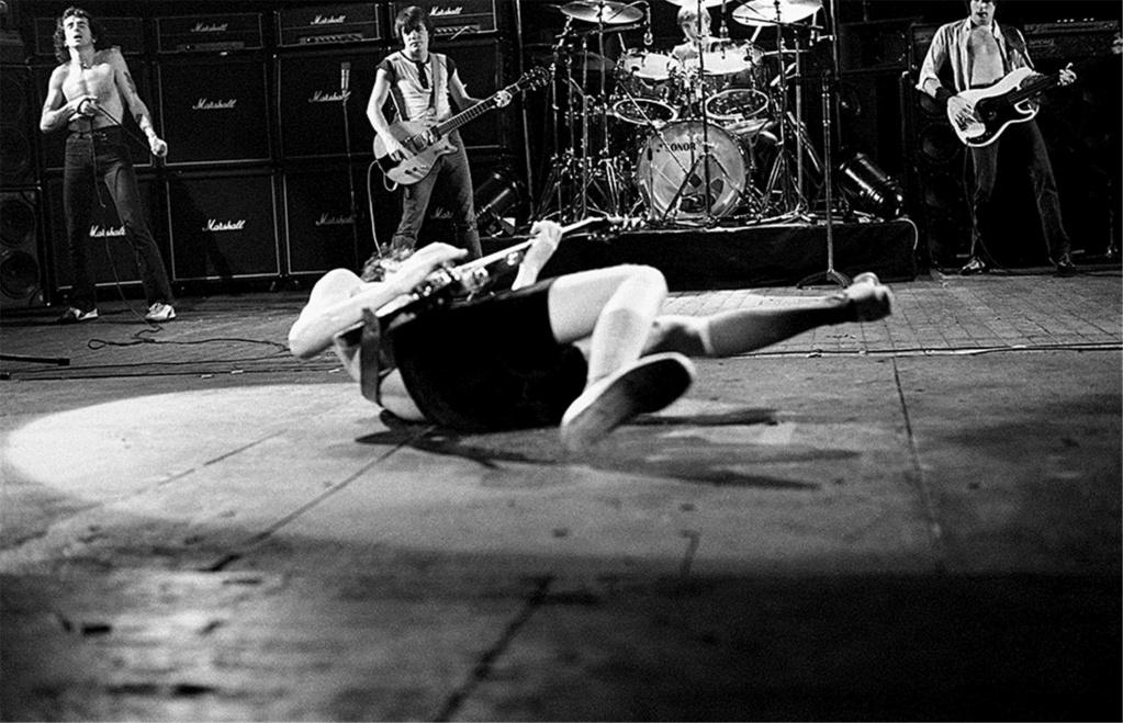 NO FELIPING: los discos de AC/DC de peor a mejor - Página 6 Rh-acd10